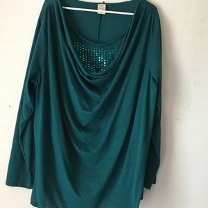 Green scoop neck shirt